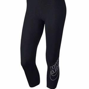 Nike Logo Black Capri Tights PLIS SIZE 1X NWT❗️